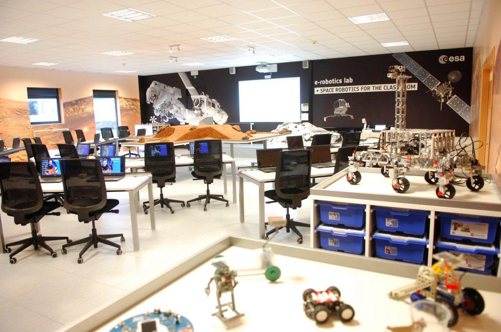 e-robotics lab